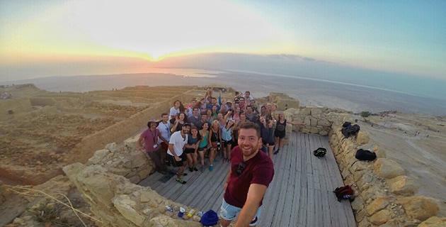 4.masada-selfie